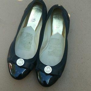 Michael Kors Black Round Toe Ballet Flats